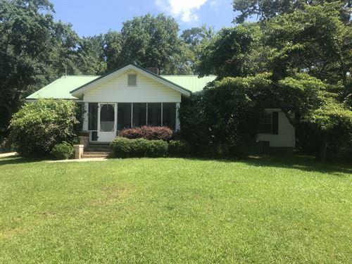 Farm House, Barn On 12.73+/- Acres : Jacksons' Gap : Tallapoosa County : Alabama