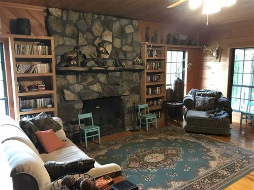 Beautiful 80 Acres And Custom Buil : Columbus : Lowndes County : Mississippi