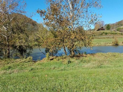 1000+ Ft Of The River : Sneedville : Hancock County : Tennessee