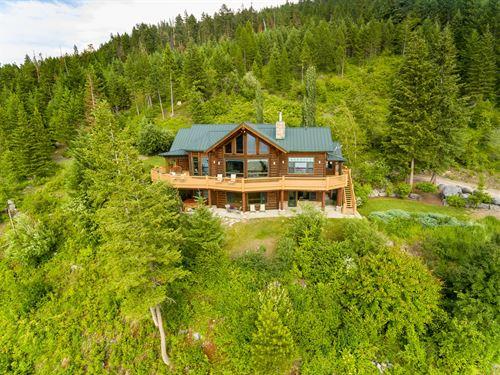 Panoramic Flathead Views : Bigfork : Lake County : Montana