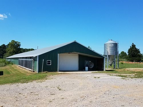 9 House Broiler Poultry Farm : Vinemont : Cullman County : Alabama