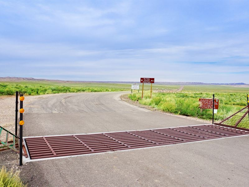 Ranch Bordering Public Land In Wy : Rawl : Sweetwater County : Wyoming