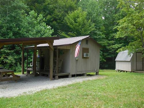 Modest Cabin With Pond on 12 Acres : Munfordville : Hart County : Kentucky