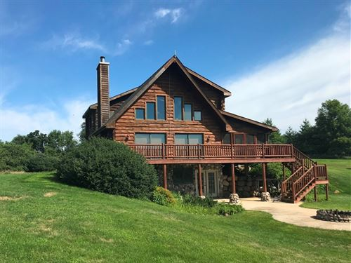 Log Home + Hunting Property : Richland Center : Richland County : Wisconsin