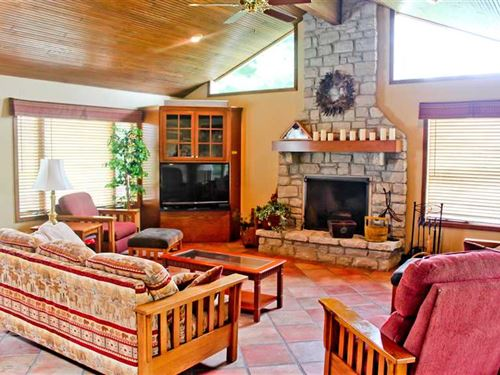 Executive Retreat With Privacy And : Osgood : Ripley County : Indiana