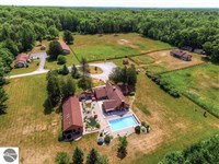 Gorgeous 243 Acres With 3 Homes : Curtis : Alcona County : Michigan