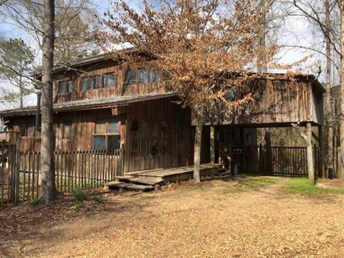 Secluded Home/Lodge On 66.35 Ac : Wesson : Copiah County : Mississippi