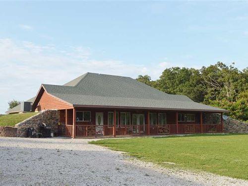 45 Acres & 2800 Sq Ft, Earth Home : Collins : Saint Clair County : Missouri