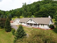 Beautiful Executive Home : Richland Center : Richland County : Wisconsin