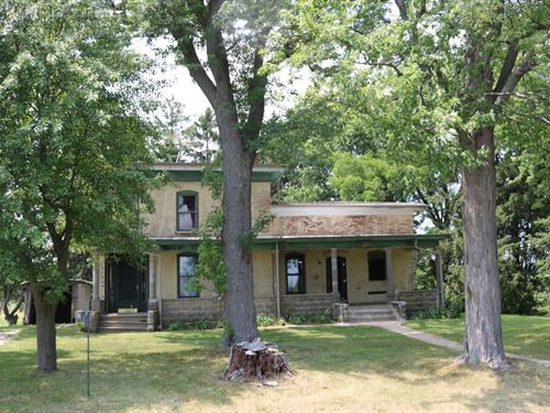 1800 Farmhouse With Acreage : Juneau : Dodge County : Wisconsin
