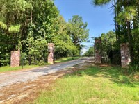Beautiful Executive Country Estate : Woodville : Wilkinson County : Mississippi