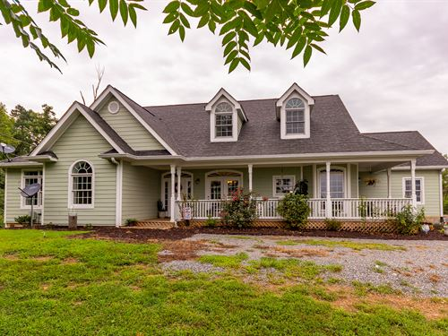 Move In Ready Home With Great Views : Tazewell : Claiborne County : Tennessee