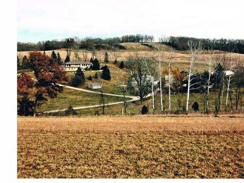Farm Located In Beautiful Valley : Fennimore : Grant County : Wisconsin