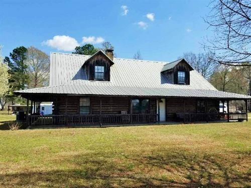 Rustic Log Home On 10 Acres : Texarkana : Bowie County : Texas