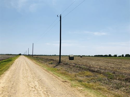 Nice 6 Acres With Utility Acess : Thorndale : Milam County : Texas