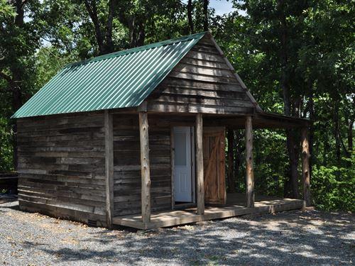 Country Cabin in The Ozarks : Clinton : Van Buren County : Arkansas
