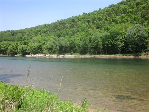 White River Frontage Log Cabin : Flippin : Marion County : Arkansas