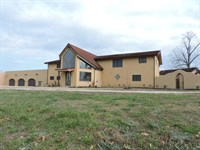 Custom Southwestern Home 25 Acres : Harrison : Boone County : Arkansas