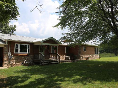 Farm, Residence Fulton County : Mammoth Spring : Fulton County : Arkansas