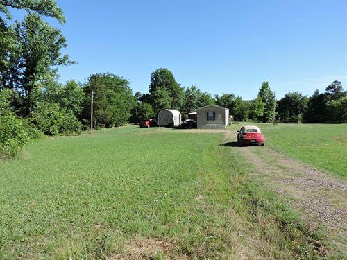Just 1 Mile Off Hwy 71 Beautiful : Waldron : Scott County : Arkansas