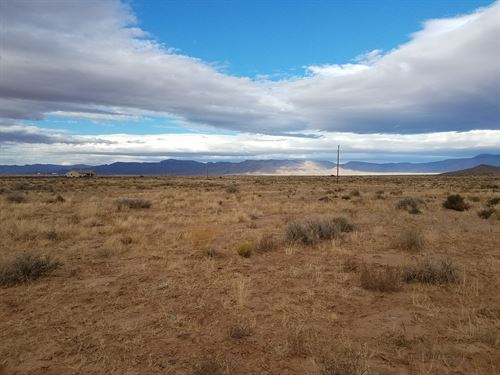 Property Next to Cella Stetson : Kingman : Mohave County : Arizona