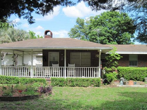 Home in Lake City, FL For Sale : Lake City : Suwannee County : Florida