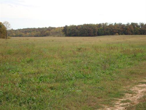 Cattle Ranch Missouri 2684 Acres : Aurora : Barry County : Missouri