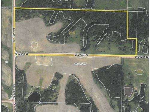 24 Acres M/L Joining Harrison : Bethany : Harrison County : Missouri