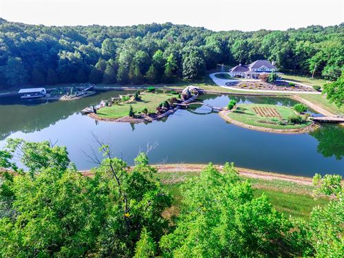 Custom Luxury Home & Acreage : Columbia : Boone County : Missouri