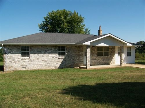 Brick Home With Acreage Large Shop : Doniphan : Ripley County : Missouri