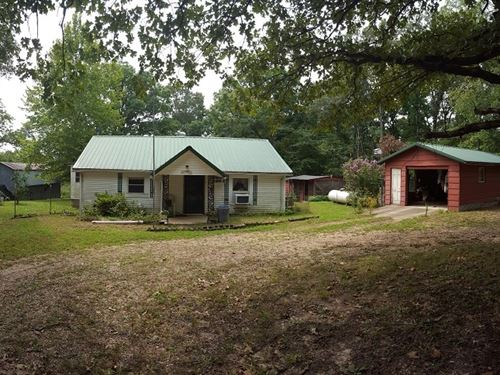 Country Home With 5.7 Acres : Doniphan : Ripley County : Missouri