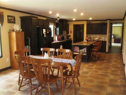 Beautiful Home, 5 Acres, Multiple : El Dorado Springs : Cedar County : Missouri