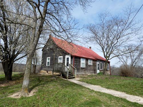 Historic Log Home & Riverfront : Hermann : Gasconade County : Missouri
