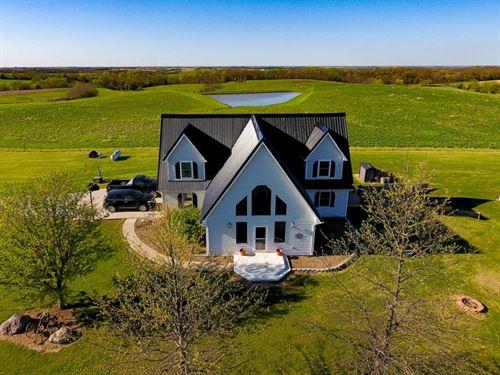 Beautiful Country Home on 45 Acres : Ridgeway : Harrison County : Missouri
