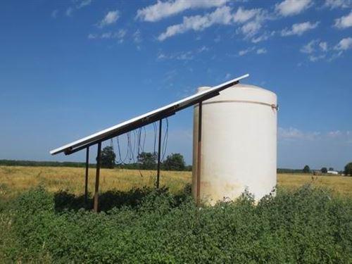 Pastureland Well, Solar Working : Stockton : Cedar County : Missouri