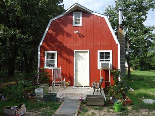 6 Acres Timberland Cabin : Versailles : Morgan County : Missouri