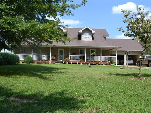 Country-Style Home, 10 Acres M/L : West Plains : Howell County : Missouri