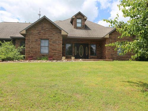 Custom Brick Home West Plains, MO : West Plains : Howell County : Missouri