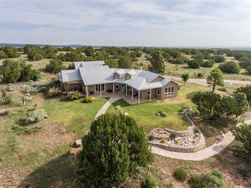 New Mexico Luxury Country Home 40 : Estancia : Torrance County : New Mexico