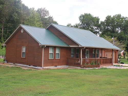 Log Style Home Linden TN Acreage : Linden : Perry County : Tennessee