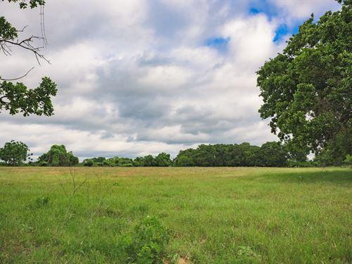Land Downtown Fredericksburg, Texas : Fredericksburg : Gillespie County : Texas