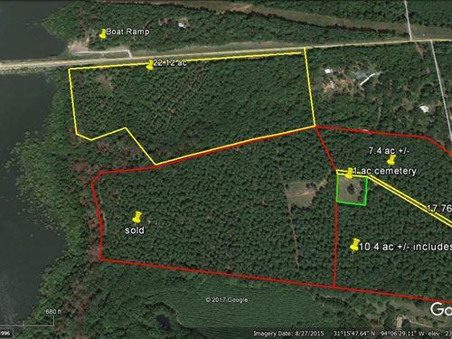 17.763 Acres Sam Rayburn Lake : Pineland : San Augustine County : Texas