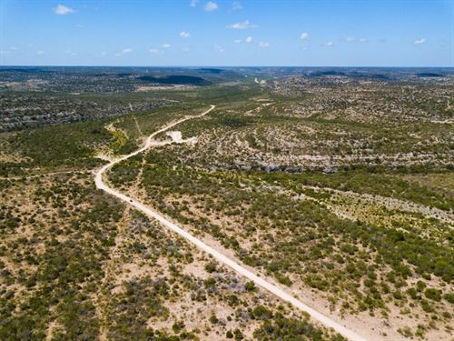 Hunting Ranch 2,550 Acres Val Verde : Del Rio : Val Verde County : Texas