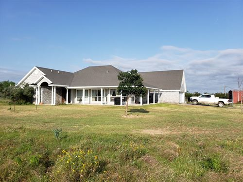 Large Riverfront Luxury Home Land : Mertzon : Irion County : Texas