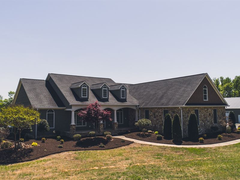 Immaculate Home & Large Acreage : Danville : Pittsylvania County : Virginia