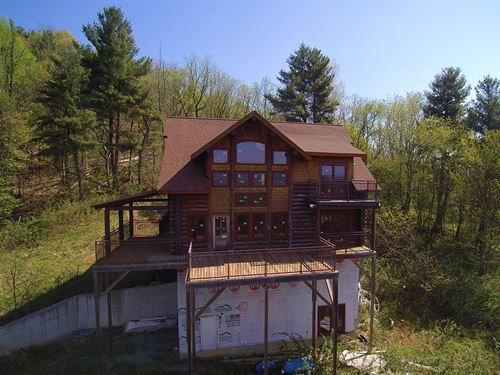 Large Acreage Log Home Located : Elk Creek : Grayson County : Virginia