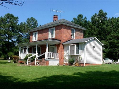 Kenbridge, VA Town Edge Farm More : Kenbridge : Lunenburg County : Virginia