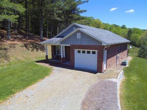Home Large Acreage Blue Ridge : Trout Dale : Grayson County : Virginia