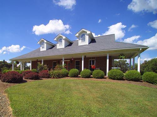 Spacious Home Acreage Blue Ridge : Independence : Grayson County : Virginia