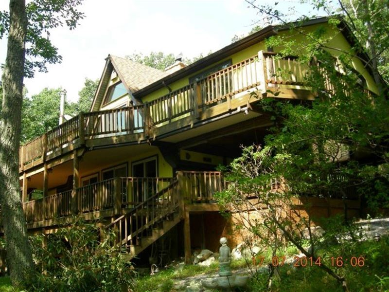 Mountain Top Retreat Capon Bridge : Capon Bridge : Hampshire County : West Virginia